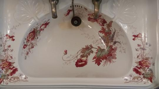Lavabo decorado.