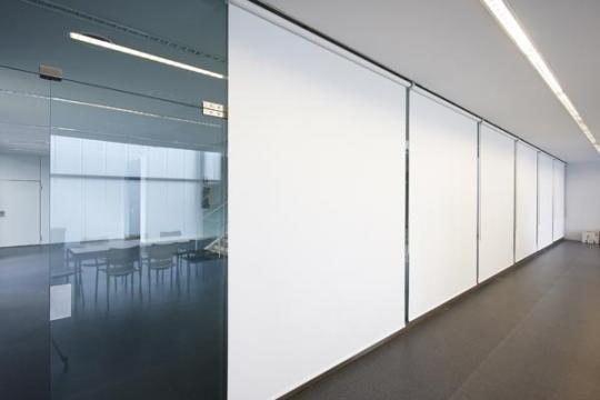 Cortinas Enrollables con Manivela